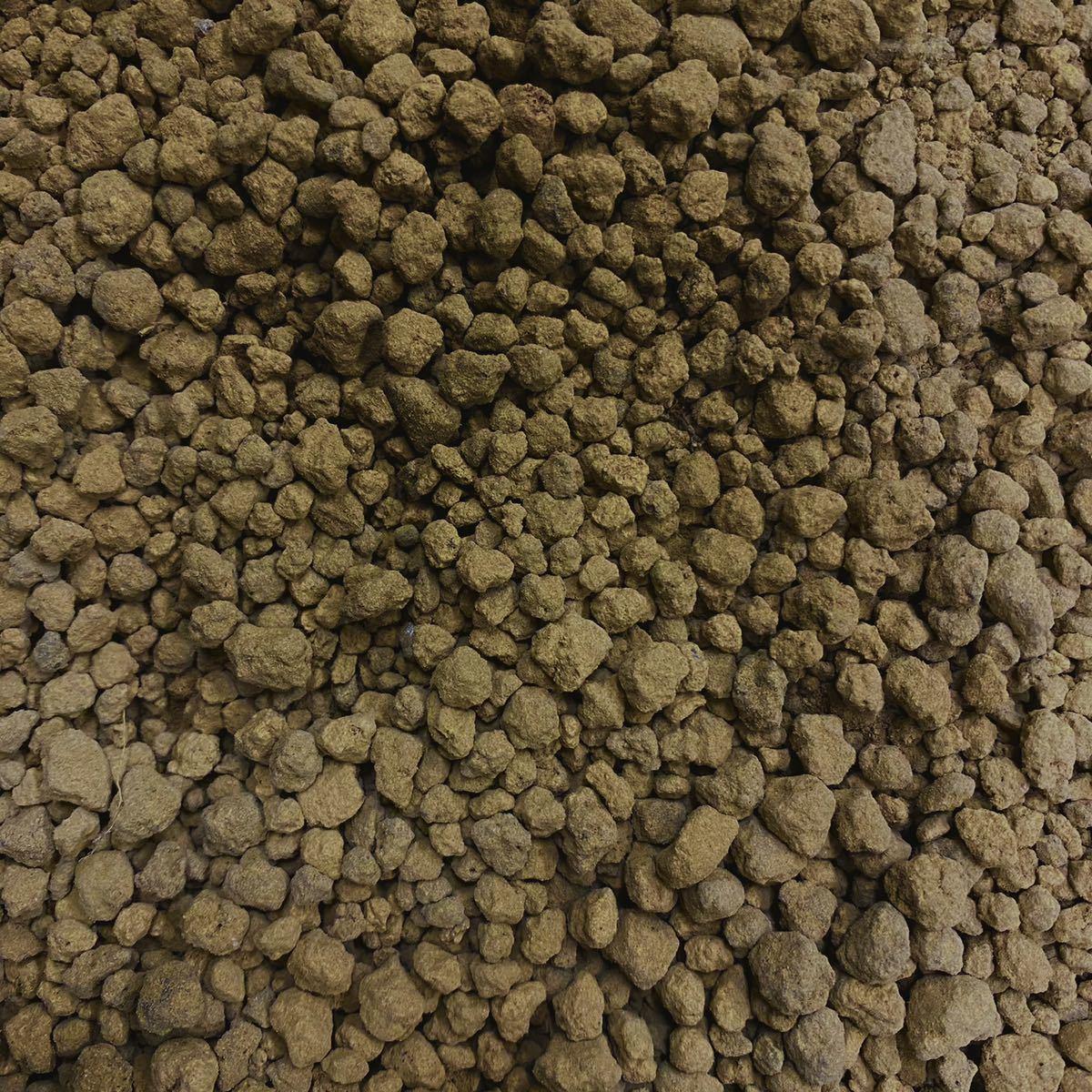 庭屋が薦める赤玉土 1リットル 小粒 多肉植物 サボテン 観葉植物 土