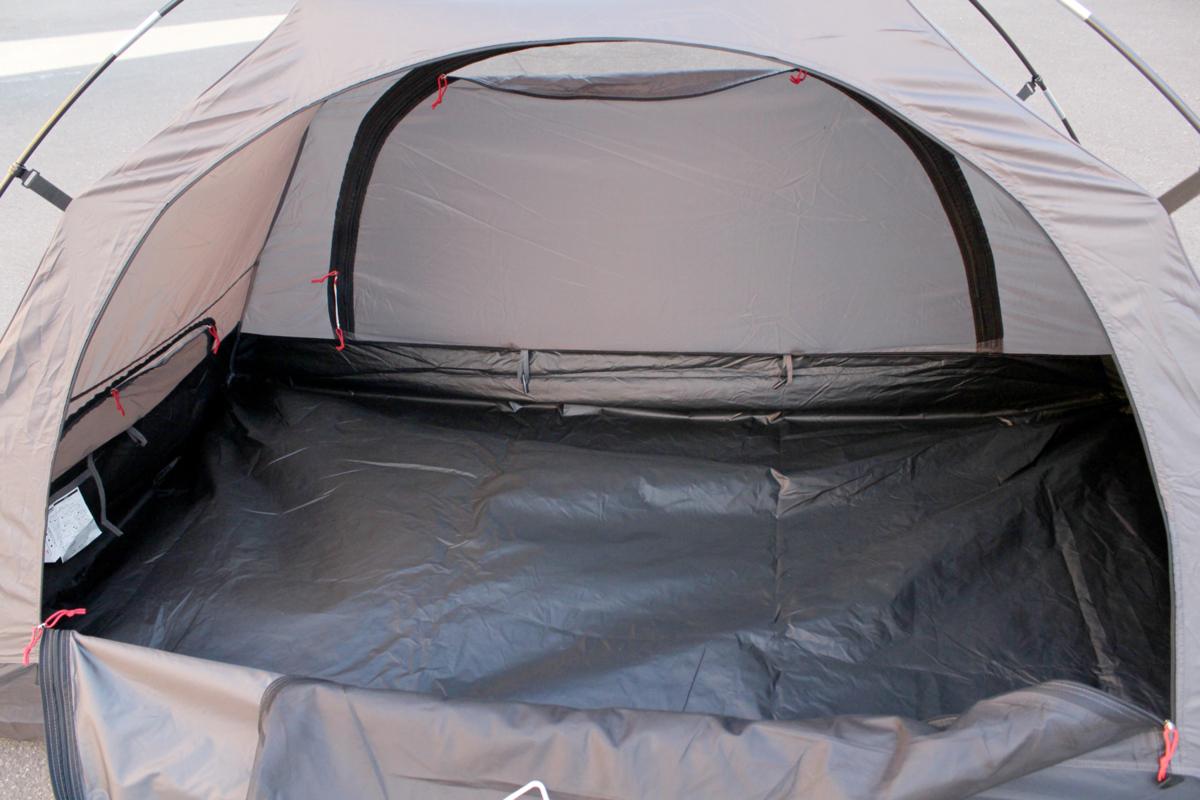美品 Coleman/コールマン ツーリングドーム ST+ 1~2人用 ブラック グレー テント 2000036435 キャンプ アウトドア_画像3