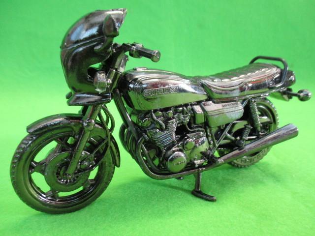 レッドバロン RED BARON スズキ SUZUKI GS 1000S 世界の名車シリーズ ミニカー バイク 未使用_画像2