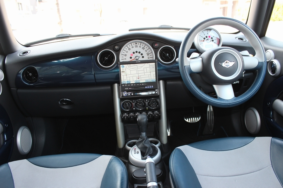 「【特別仕様車・内外極美】R53/BMW MINI クーパーS チェックメイト/専用シート/パドルシフト/バイキセノン/6速AT/17インチAW/HDDナビ」の画像3