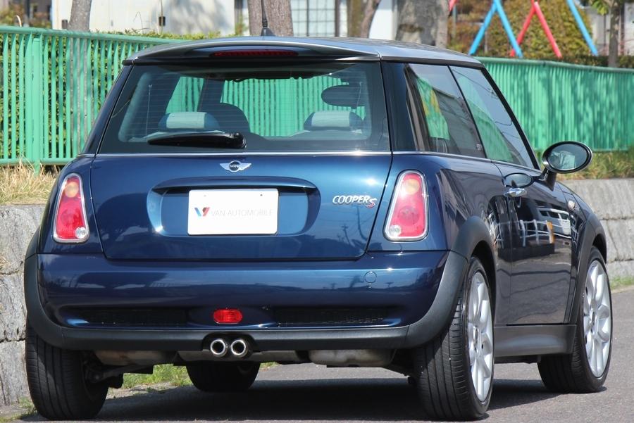 「【特別仕様車・内外極美】R53/BMW MINI クーパーS チェックメイト/専用シート/パドルシフト/バイキセノン/6速AT/17インチAW/HDDナビ」の画像2