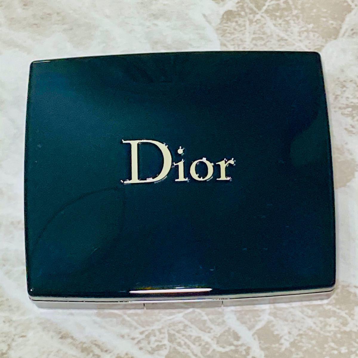 【人気品のみ!】極美品 Dior ディオール アイシャドウ サンククルール 637 ペタル