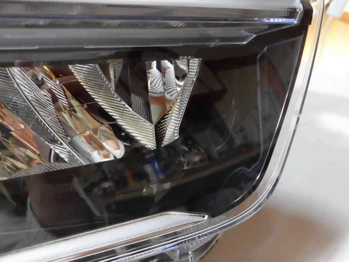 M9-5-2 ライズ ロッキー A200A/A210A A200S A210S LED 1991_画像2