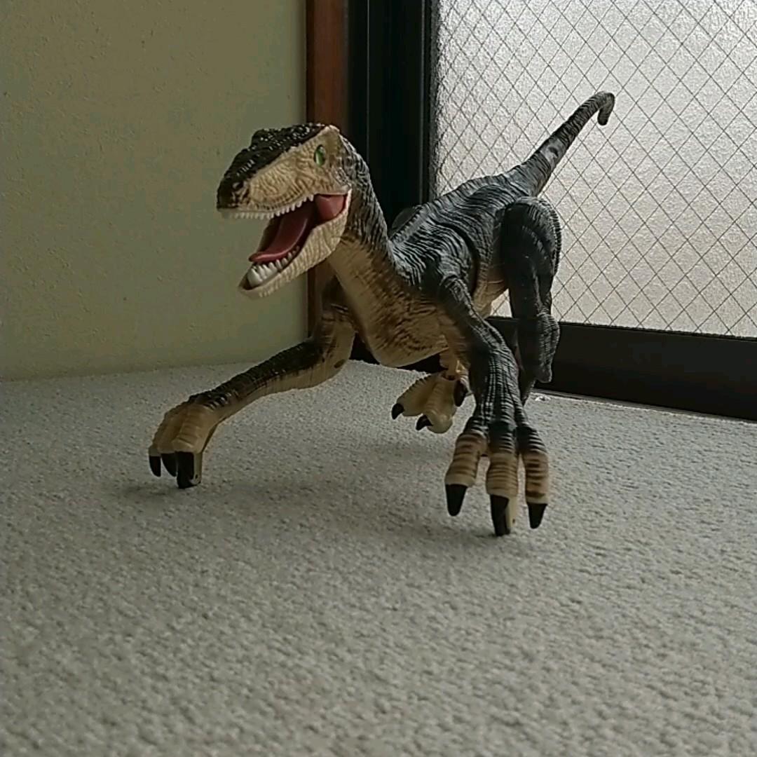 ▲ジャンク品▲ 恐竜ラジコン:京商エッグ『ダイナソー ラン ヴェロキラプトル』TS072