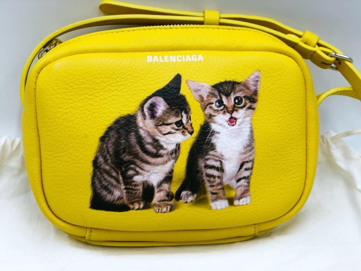 美品 BALENCIAGA バレンシアガ 可愛い ショルダーバッグ 斜め掛け EVERYDAY CAMERA BAG XS エブリデイカメラバッグ キャット 猫 イエロー _画像1