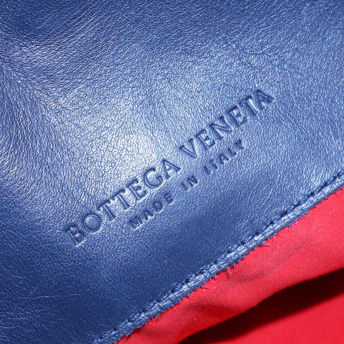 本物 超美品 ボッテガヴェネタ 最高級イントレチャートレザーメンズショルダーバッグ 斜め掛けクロスボディバッグ BOTTEGA VENETA_画像8