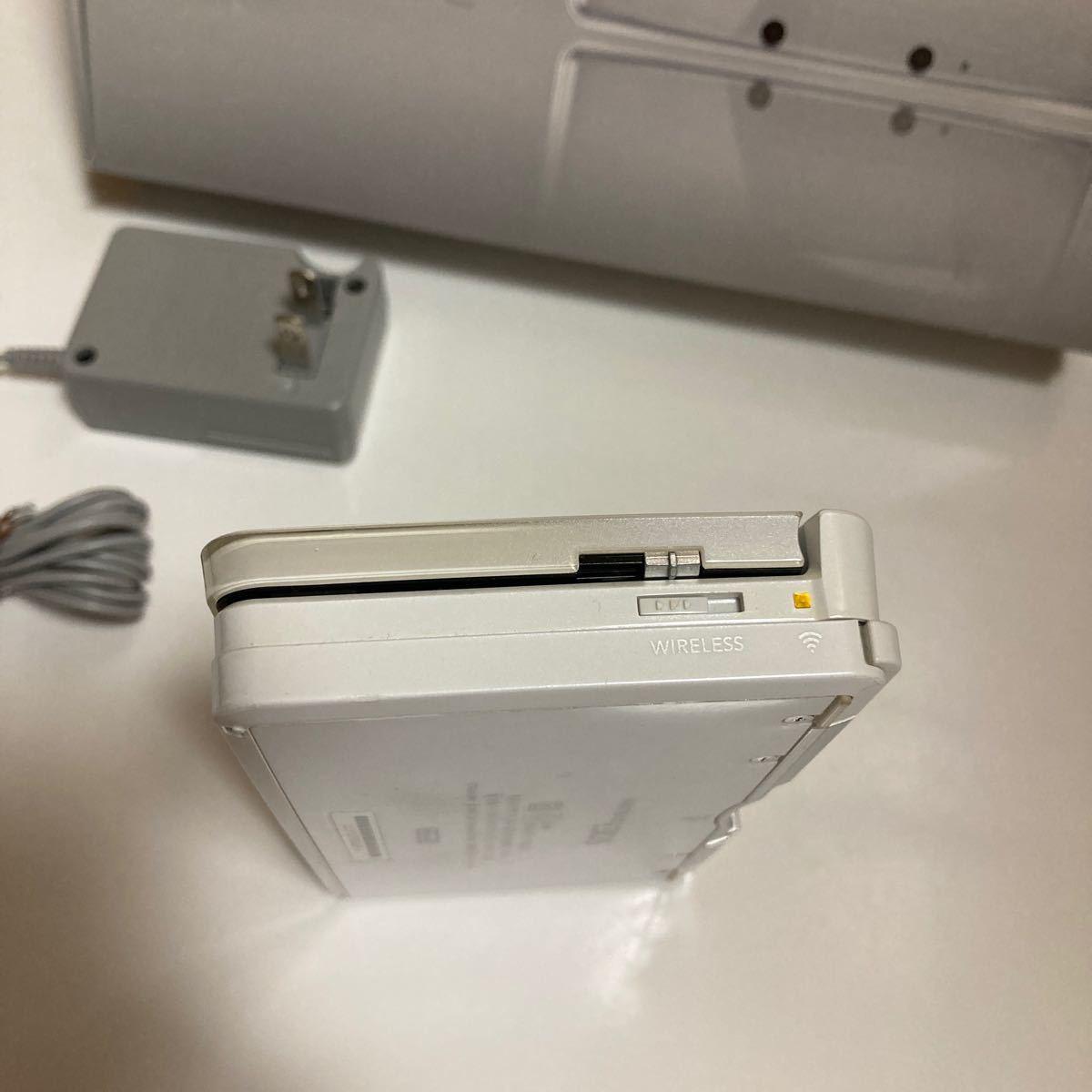 ニンテンドー3DS本体 アイスホワイト DLソフト多数