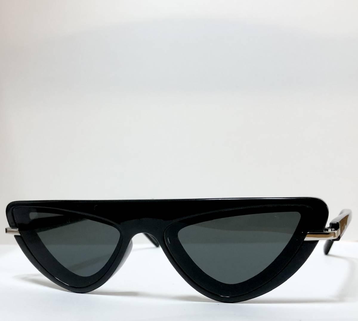 CK カルバンクライン 芸術的なサングラス イタリア製 純正・新品 ケース付き 米国ブランド Calvin Klein メガネ可能_画像2