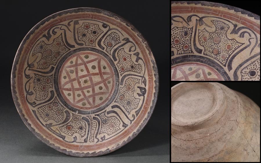 ?花?9~11世紀頃古代ペルシャ ニシャプール出土 白地彩画幾何学文鉢 直径23.5cm ◇9