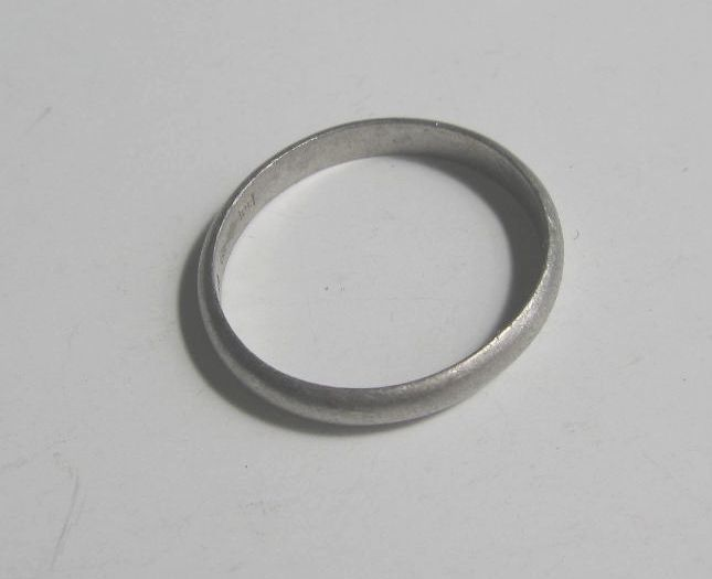 【Pt900 刻印有】シンプル プラチナ リング/指輪 19号 3.6g / 白金 中古