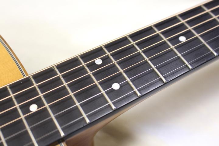 店頭展示品特価 Morris(モーリス) / M-51 NAT アコースティックギター おまけ付き!! ※全国送料無料(一部地域は除きます。)_画像4