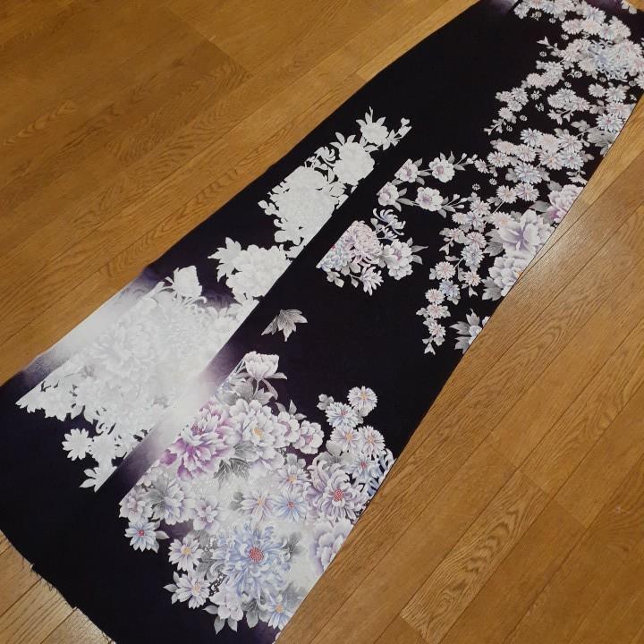 正絹 43702 振袖生地 濃い紫色 花柄 菊 ぼかし シルク 3m はぎれ ハギレ リメイク ハンドメイド
