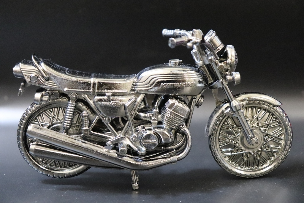 Kawasaki/カワサキ マッハ750 750-SS 世界の名車シリーズvol.38 レッドバロン 車 模型 フィギュア_画像5