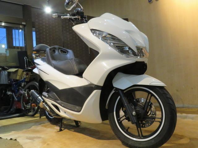 「□ホンダ HONDA PCX125 JF56 1468km 低走行! エンジン快調! エアロカスタム 原付 二種 バイク 札幌発 G1560」の画像3