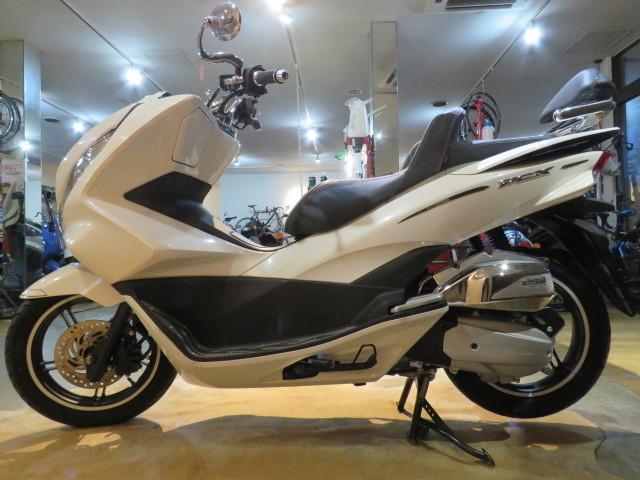 「□ホンダ HONDA PCX125 JF56 1468km 低走行! エンジン快調! エアロカスタム 原付 二種 バイク 札幌発 G1560」の画像2