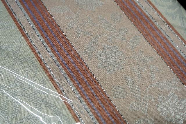 ◆即決◆ 新品 アウトレット品 ユニベール 厚地カーテン アングル RO 100×178cm 2枚入 形状記憶 洗濯可能 フック付 ローズ ピンク 植物柄_画像4