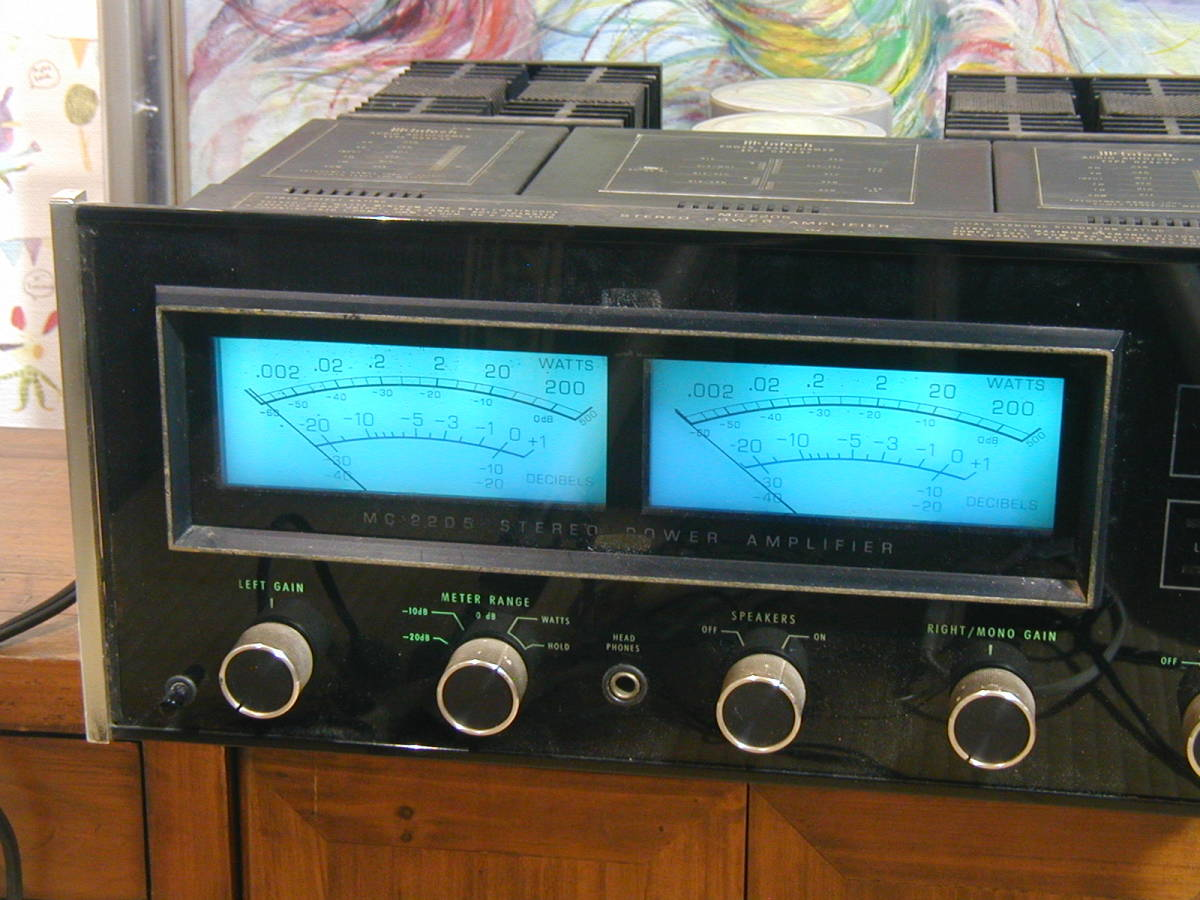 ★☆アメリカMcIntosh製、MC2205パワーアンプです。1983年頃788000円していました。 動作良好。 ☆★_画像3