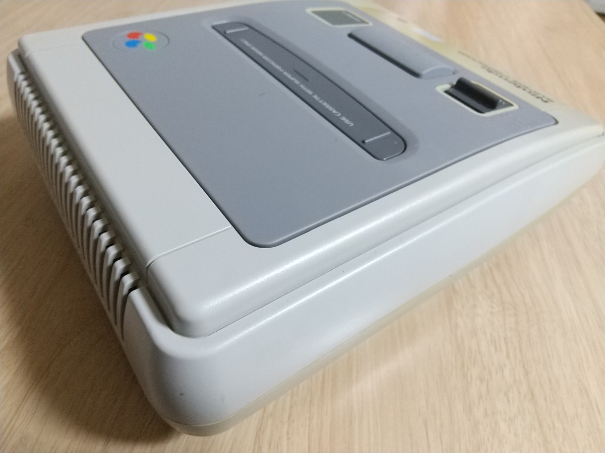ジャンク品 スーパーファミコン 本体+おまけ2本 動作確認OK 白黒 SFC ソフト 任天堂