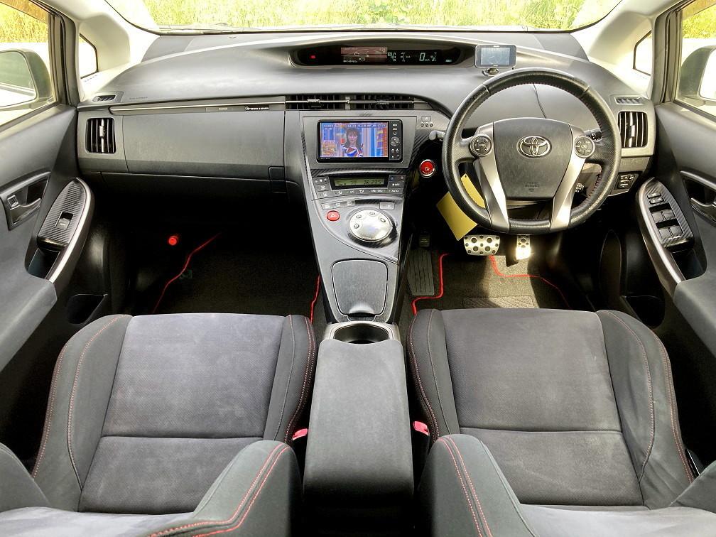 「車検令和5年4月 トヨタ プリウス Sツーリングセレクション G's(特別仕様)ZVW30 社外18インチアルミ 18インチタイヤ新品 」の画像3