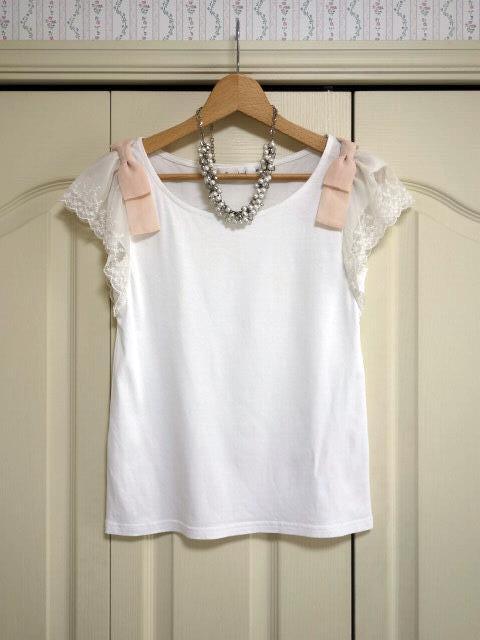 クチュールブローチ Couture Brooch ★可愛いピンクの肩リボン カットソー★白/ホワイト色★サイズ36★Tシャツ★袖レース_画像4