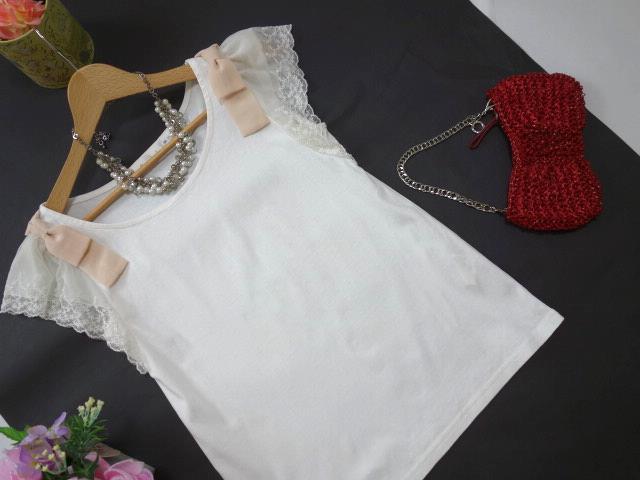 クチュールブローチ Couture Brooch ★可愛いピンクの肩リボン カットソー★白/ホワイト色★サイズ36★Tシャツ★袖レース_画像1