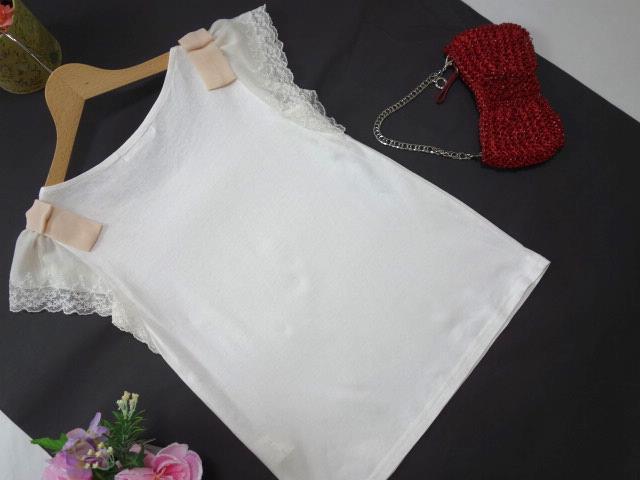 クチュールブローチ Couture Brooch ★可愛いピンクの肩リボン カットソー★白/ホワイト色★サイズ36★Tシャツ★袖レース_画像3