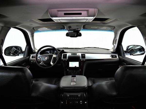 「エスカレードEXT 6.2 4WD サンルーフ 社外ナビ 1ナンバー ETC」の画像2