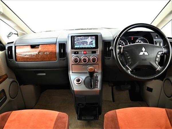 「デリカD:5 2.4 G パワーパッケージ 4WD 社外ナビ 両側パワスラ ETC Bカメ 地デジ」の画像2