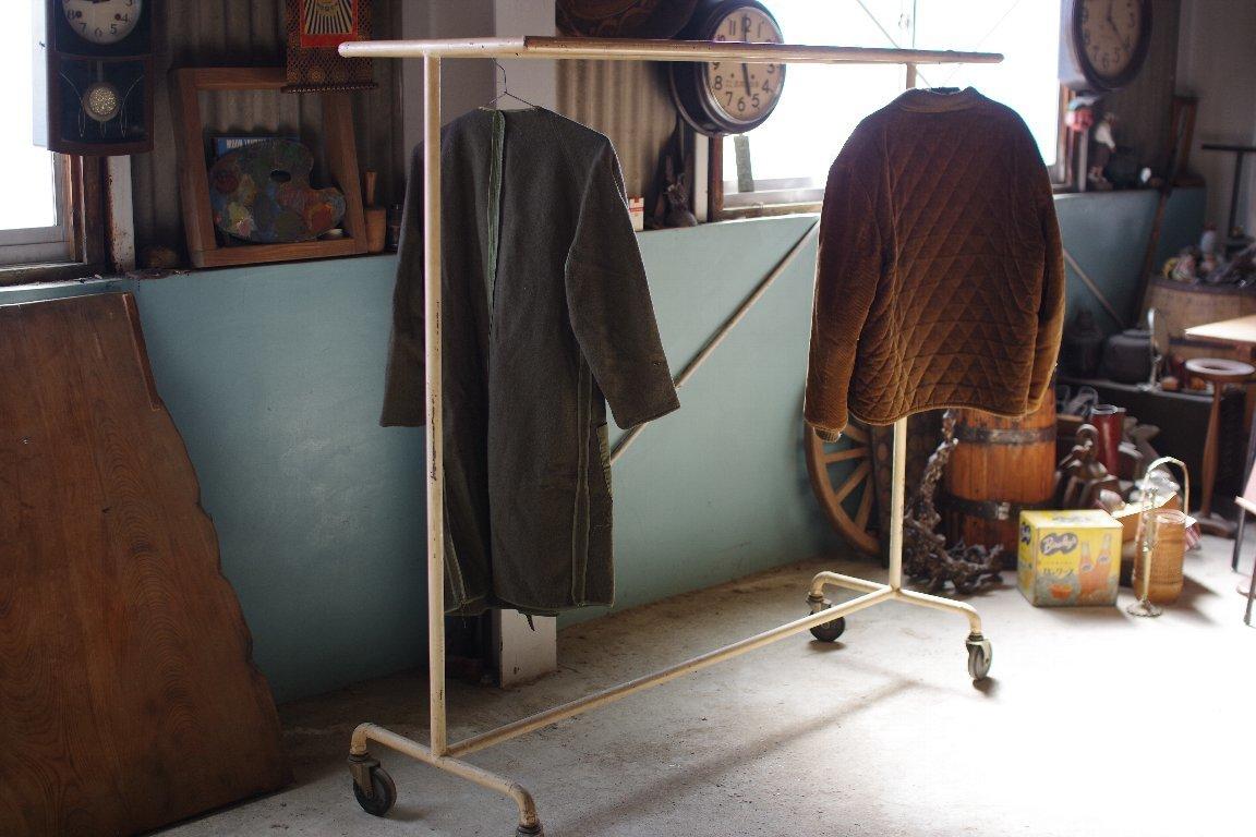縫製工場の鉄製ダブルハンガーラックキャスター付き▼レトロヴィンテージ陳列店舗什器古着屋2列ディスプレイラック_画像3