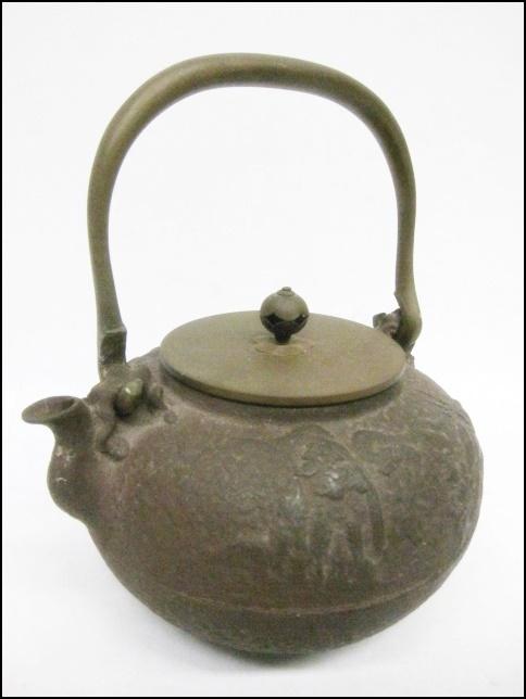 10 27-396697-11 [S]【B】 鉄瓶 亀文堂造 銘あり 金属工芸 アンティーク コレクション 名27