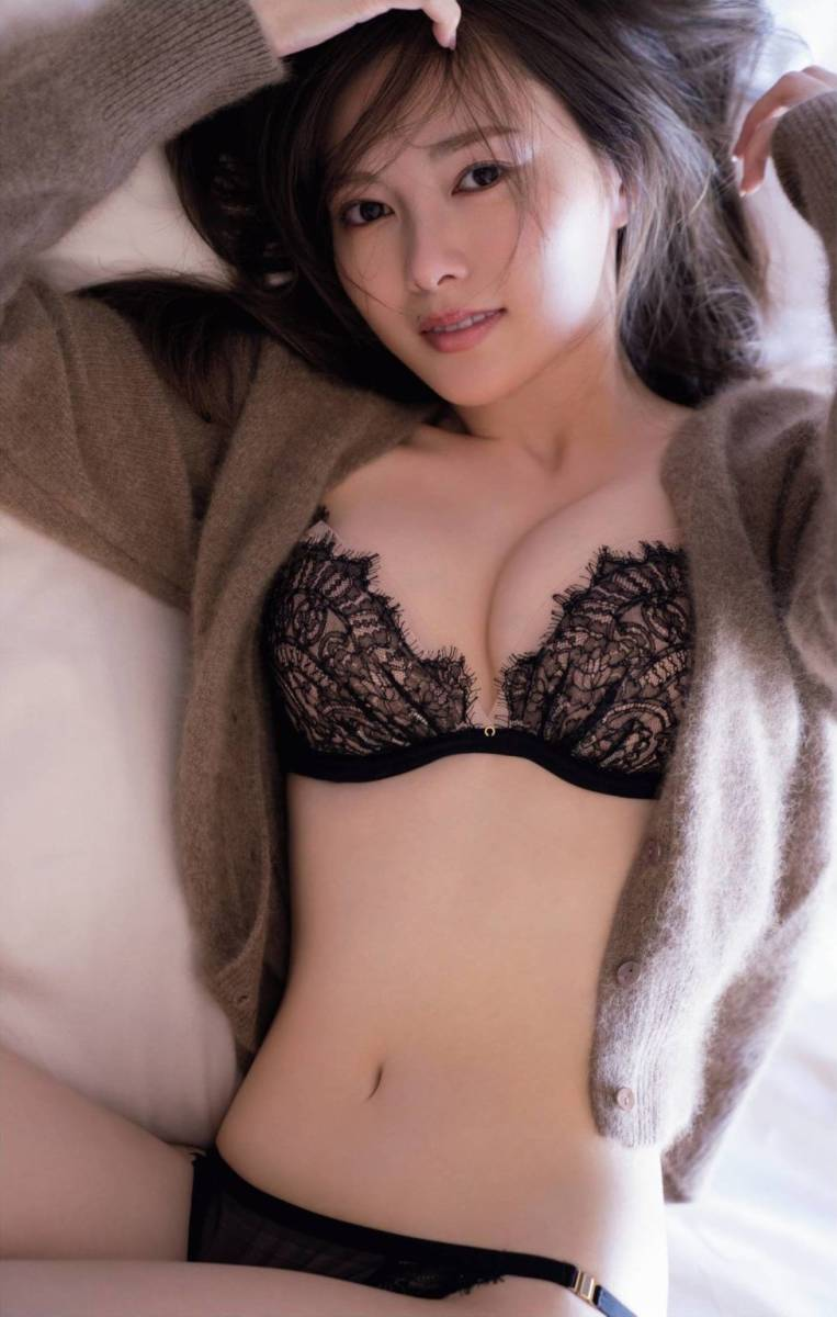 白石麻衣 乃木坂46卒業記念メモリアルマガジン(写真集) ミニ写真集付 美品