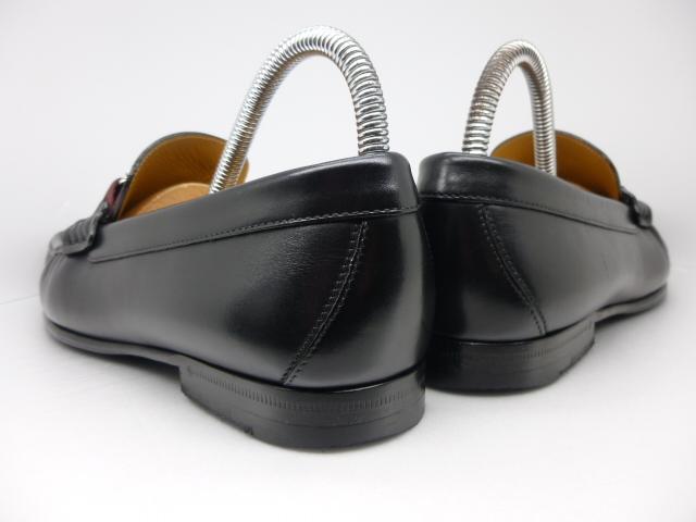 ◆ルイ・ヴィトン◆メンズ◆2017年◆約12万円◆モンテーニュ/モカシン/ローファー/スニーカー/シューズ/くつ/革靴/黒/26㎝前後☆★美品★☆_靴ベラ着用でヒールに型崩れもありません。