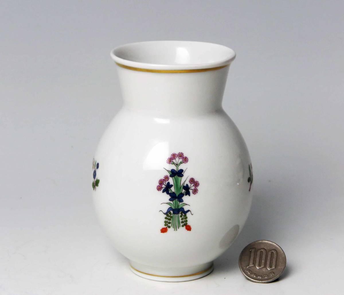 マイセン = 柿右衛門風 花蝶・絵付け・花瓶 (1級品) _画像2