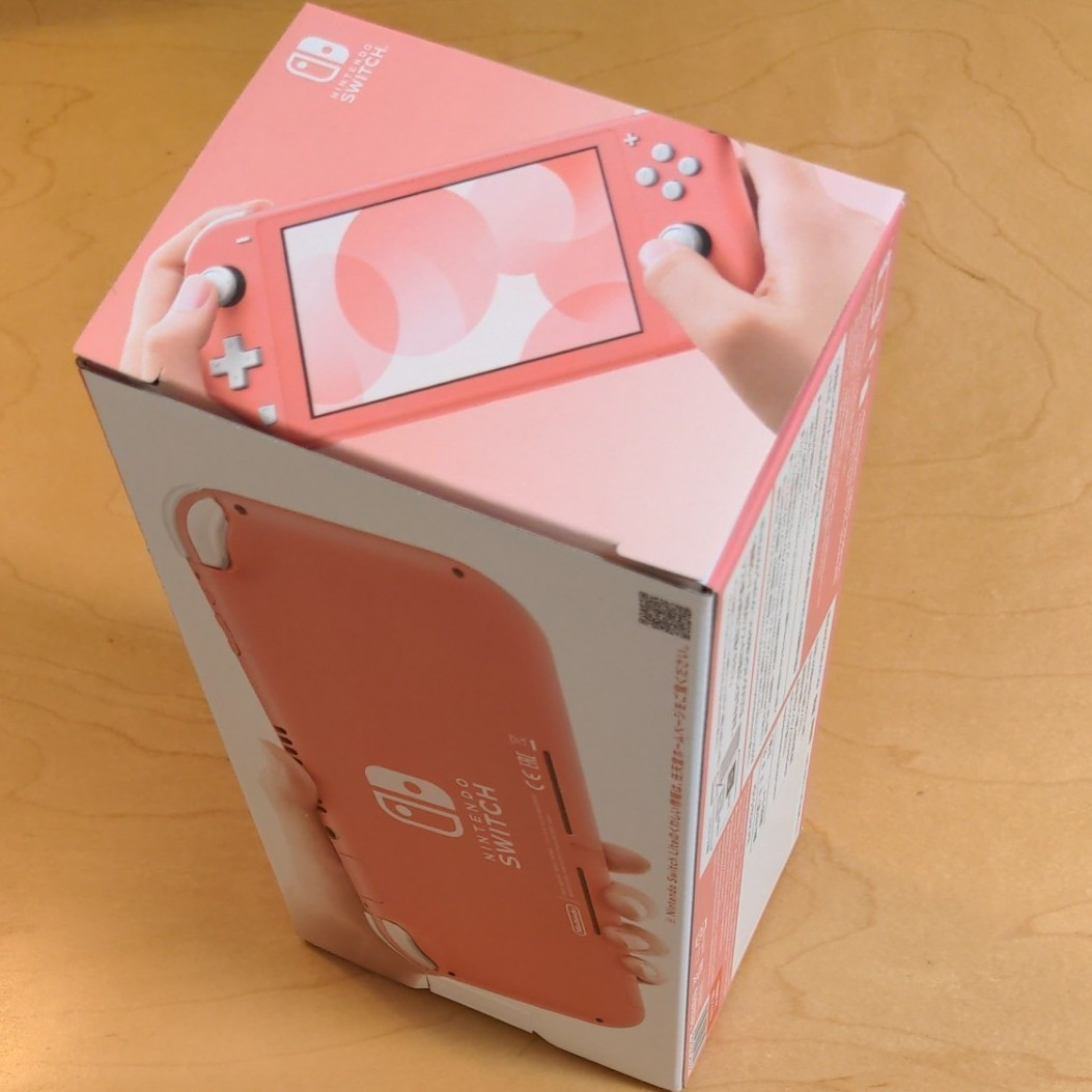 Nintendo Switch   Lite  コーラル 任天堂 スイッチ ライト 本体