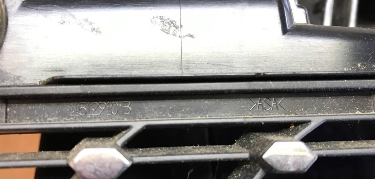 【即決/未使用】メルセデスベンツ 純正 フロントグリル ダイアモンドグリル ラジエーターグリル SLK R172 後期型 ダイアモンド_画像5