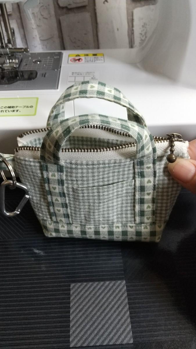 ハンドメイド トートバックの形をしたミニファスナーポーチ(裏地付き) トートバッグ