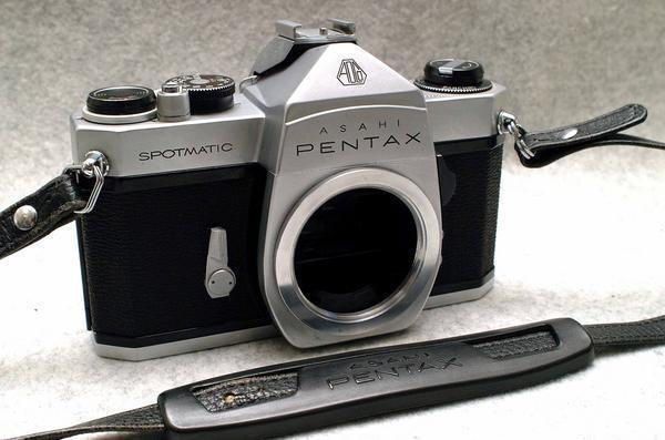 PENTAX ペンタックス M42マウント専用 昔の高級一眼レフカメラ SPボディ 希少な作動品 (腐食無し)