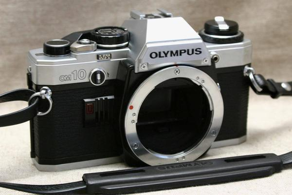 OLYMPUS オリンパス 昔の高級一眼レフカメラ OM-10 ボディ 作動品(腐食無し)