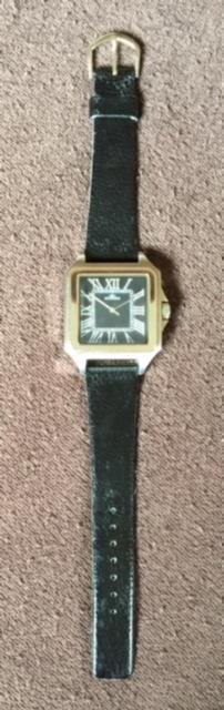 存在感満点!超大型!四角(スクエア)タイプ!渋いメンズ腕時計!【AGENDA(アジェンダ)】高級クオーツ式の腕時計《全国送料無料》_画像2