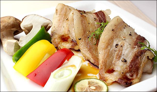 イベリコ豚 バラ カルビ 焼肉用 500g ベジョータ BBQ バラ肉 黒豚 焼き肉 豚肉 バーベキュー お肉 お取り寄せ ギフト対応 高級肉 豚バラ_画像3