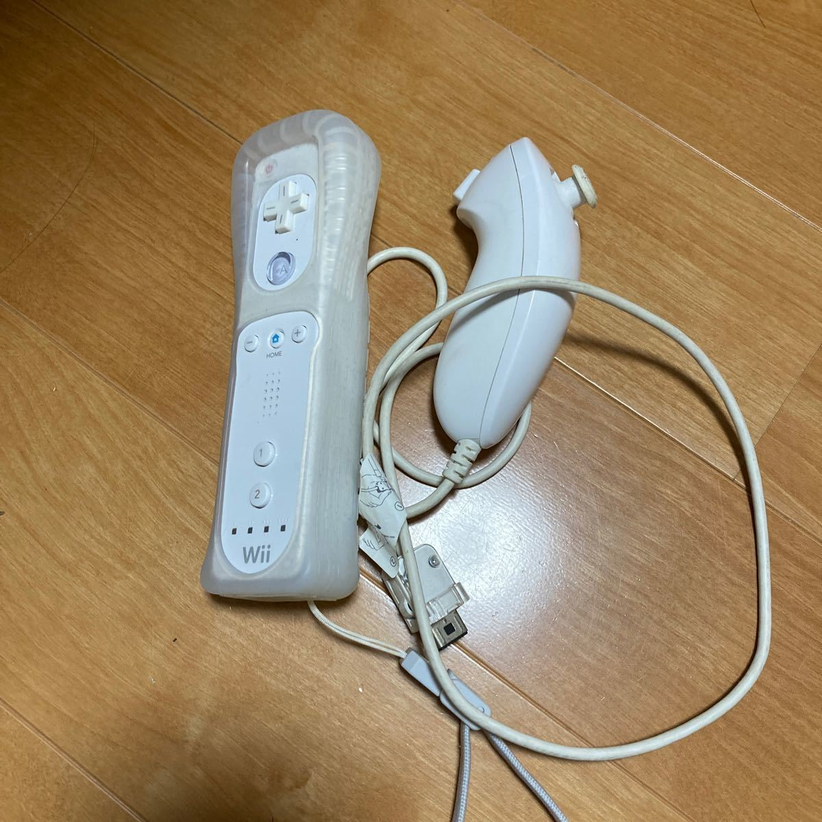 Wiiリモコン 白 ヌンチャク付き