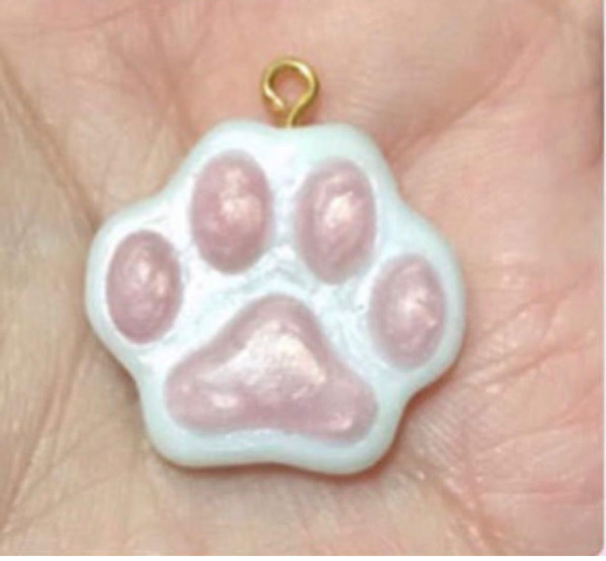 シリコンモールド ミニ猫。肉球。 肉球 レジン ハンドメイド シリコンモールド 猫の手