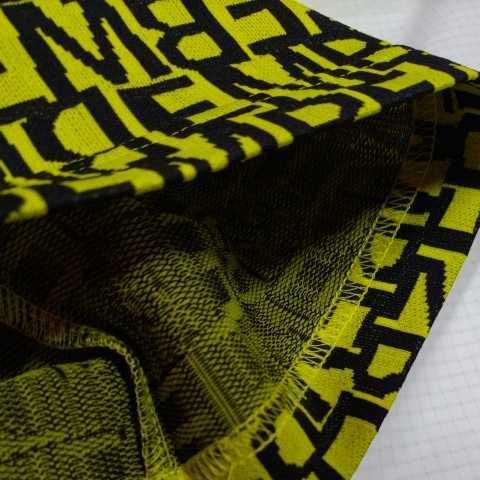 新品正規品 マスターバニー パーリーゲイツ サイズ5 総柄ロゴ ジャガード 軽量 ハイネック シャツ イエロー 送料無料_画像9