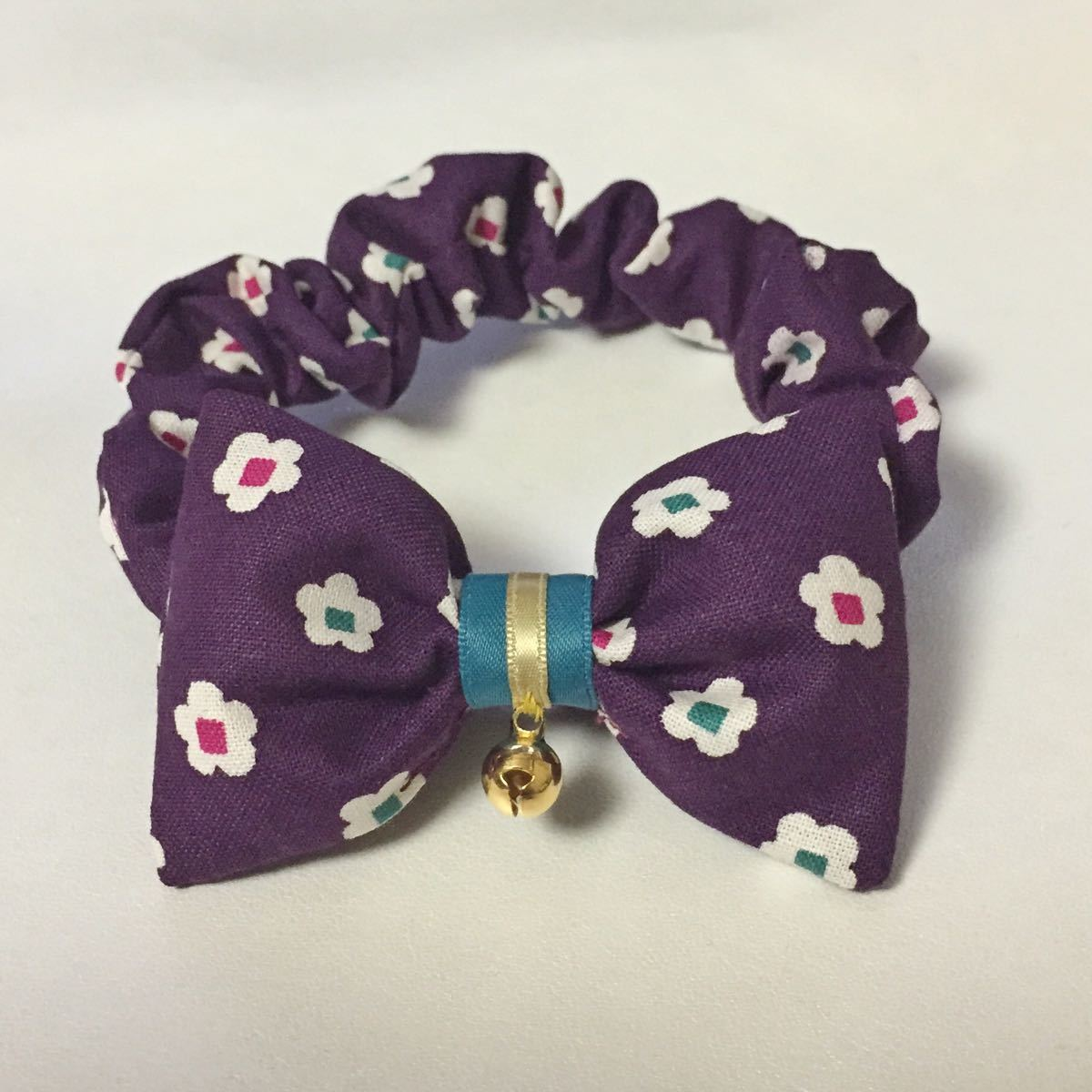 猫用 首輪 シュシュ   アラレ紫