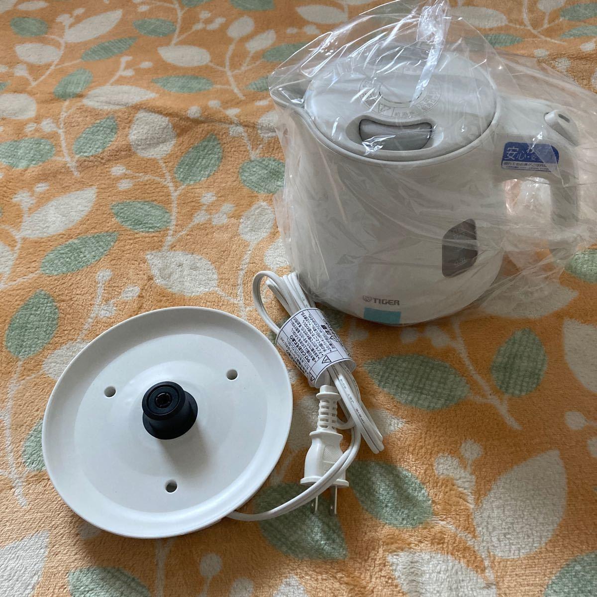 わく子 電気ケトル PCM-A060(WM) (マットホワイト)