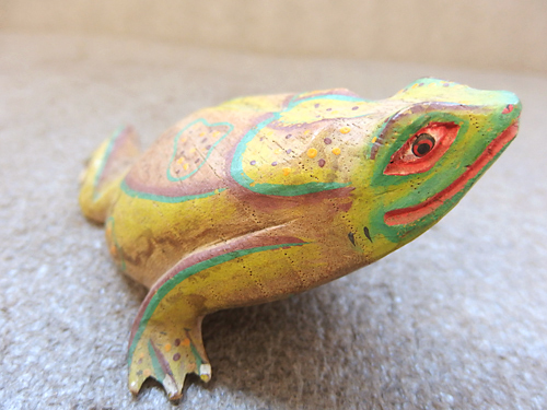 0510041a【木彫り 蛙 置物】カエル/木製/全長11cm/中古品_画像3