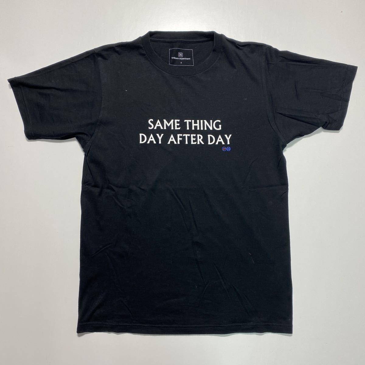 【3】uniform experiment Fragment design Tee ユニフォーム エクスペリメント フラグメントデザイン Tシャツ ブラック G485_画像1