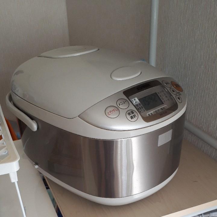 炊飯器(ZOJIRUSHI)