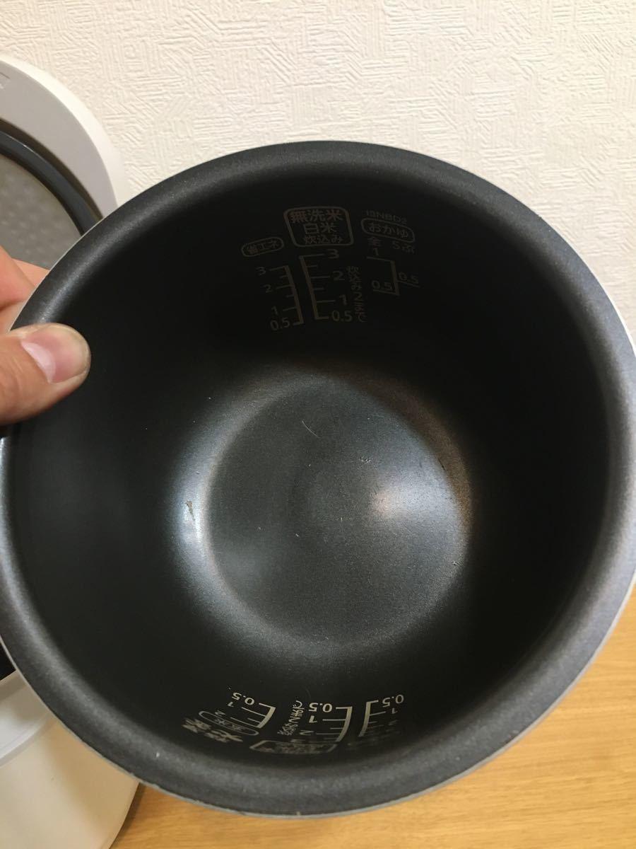 アイリスオーヤマ 極厚火窯 IH炊飯器 3号炊き ERC-IB30-W