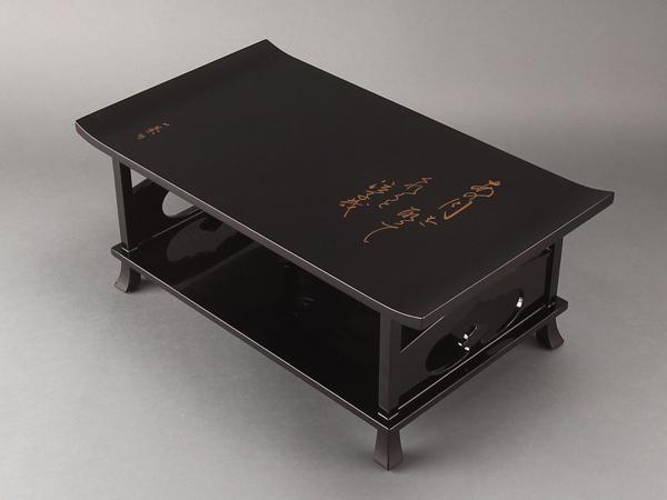 【流】木製漆器 黒塗本金蒔絵冠卓 箱付 CX877